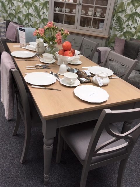 Burghley 6 Seater Painted Extending Dining Table Chairs In Fawn Display Clearance Cooks Company