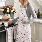 all56250-peony-adult-apron-lifestyle-high-res.jpg